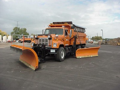 Front plow and wing plow
